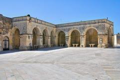 Arcade van St. Giorgio. Melpignano. Puglia. Italië. stock afbeeldingen
