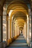 Arcades à Bologna Images libres de droits