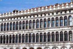 Arcades της πρόσοψης στην πλατεία SAN Marco στη Βενετία, Ιταλία Στοκ Εικόνα