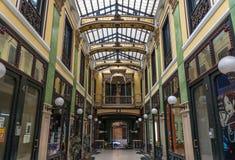 Arcades d'achats de Pasaje Gutiérrez à Valladolid images libres de droits
