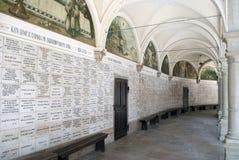 Arcades rond de basiliek van Marija Bistrica Stock Afbeelding