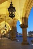 Arcades van Sukiennice in Krakau royalty-vrije stock afbeeldingen