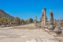 Arcadian gatahamngata i Ephesus kalkon arkivbilder