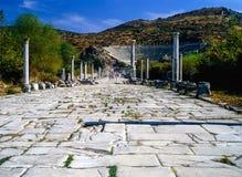 Arcadian väg i Ephesus, Turkiet royaltyfri bild