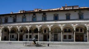 Arcas del renacimiento de la plaza Santissima Annunziata Foto de archivo libre de regalías