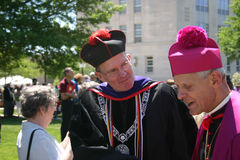 Arcebispo Wuerl & David M O'Connell no graduado de CUA Fotografia de Stock