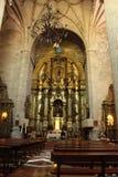 Arché, altare principale e colonne monumentali della chiesa di El Salvador in Caravaca de la Cruz, Murcia Fotografie Stock Libere da Diritti