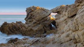 Arché sulla spiaggia archivi video