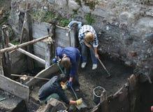 Archéologues au travail Image stock