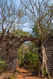 Arch at ancient fortress wall. Redi fort (Yashwantgad Fort). Ind. Ia, Maharashtra Stock Photo