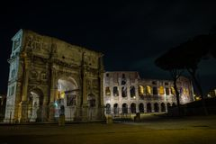 The Arch of Constantine and Roman Colosseum stock photography