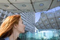 arch de defens Λα Παρίσι πορτρέτο κάτω &al Στοκ εικόνα με δικαίωμα ελεύθερης χρήσης