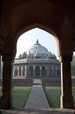 THROUGH THE ARCH-ISA KHAN'S TOMB, NEW DELHI, INDIA Royalty Free Stock Images