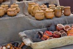 Archaïsch kleipotten en mokken royalty-vrije stock afbeelding