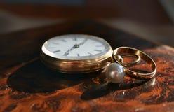 Archaïsch oud horloge voor mensen en collectoren royalty-vrije stock afbeelding