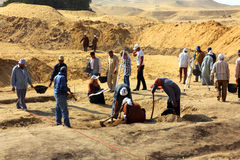 archaeological gräva egypt Royaltyfria Bilder