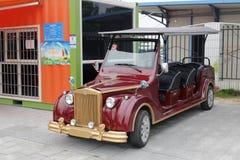 Archaize o carro de bateria da excursão Imagens de Stock Royalty Free
