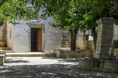 Archanes,克利特-希腊 老教堂在Archanes村庄的心脏 图库摄影