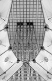 arche详细资料重创的巴黎 免版税图库摄影