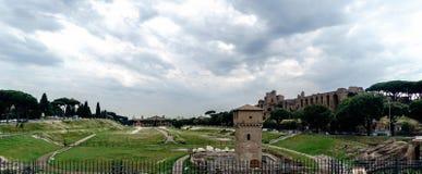 Archeologiczne ruiny Romański Massimo cyrk, prawy widok zdjęcia royalty free