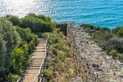 Archeologisch Gebied Stageira Ruïnes van oude Stagira, Griekenland royalty-vrije stock fotografie