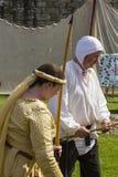 Archer féminin Affichage médiéval Warkworth, le Northumberland l'angleterre LE R-U photos libres de droits