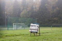 Archer mål bara på grönt fält Royaltyfri Bild