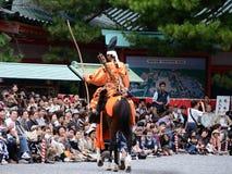 Archer samouraï au défilé de Jidai Matsuri, Japon Photographie stock libre de droits