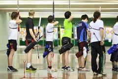 Archers no campeonato tradicional do tiro ao arco Imagens de Stock