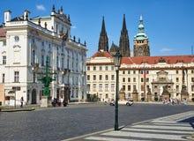 Archevêques Palace, château de Prague, et St Vitus images stock