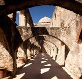 Archi della missione del San gennaio vicino a San Antonio Immagine Stock Libera da Diritti