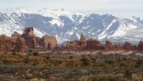 Archi paesaggio e montagne Fotografia Stock