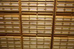 Archiefkasten in de bibliotheek Royalty-vrije Stock Fotografie