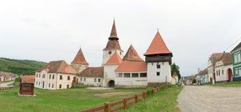 Archita medeltida dubblett-walled stärkt kyrka, Transylvania royaltyfria bilder