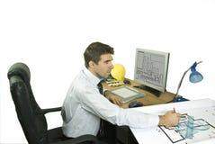 Architect in bureau Stock Afbeelding