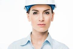 Architecte féminin dans le casque antichoc Photos stock