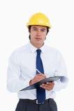 Architecte mâle avec la planchette et le crayon lecteur Photo stock