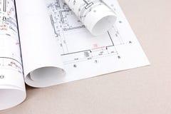 Architectes espace de travail, plans et petits pains de modèle Photographie stock libre de droits