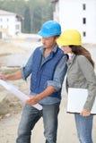 Architectes sur le chantier de construction image stock
