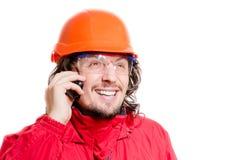 0 architector ή οικοδόμος ατόμων που μιλά σε κινητό πέρα από το άσπρο υπόβαθρο Στοκ Φωτογραφίες