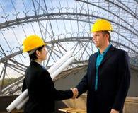 architects hands shaking Στοκ φωτογραφία με δικαίωμα ελεύθερης χρήσης