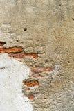 Architectu anaranjado de la textura del fondo de la pared de ladrillo del cemento viejo de la grieta Foto de archivo libre de regalías