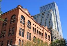Architecturaal contrast Stock Afbeeldingen