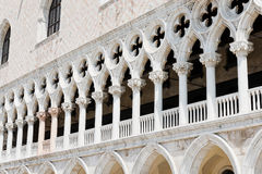 Architecturaal detail van de voorgevel van Palazzo Ducale Stock Foto
