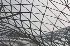 Architecturaal detail van het dakwerk van Milaan Fiera Royalty-vrije Stock Fotografie