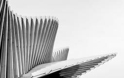 Architecturaal detail van het Mediopadana-Hoge snelheidsstation in Reggio Emilia, Italië stock afbeeldingen