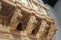 Architecturaal element met steenhulp stock foto
