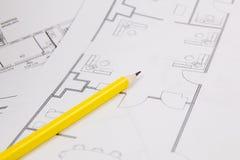 Architecturaal plan De tekeningen, pancil en de blauwdrukken van het techniekhuis Stock Foto