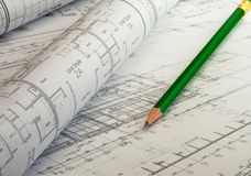 Architecturaal project De plannen van de blauwdrukvloer met potlood stock foto's