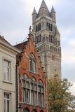 Architecturaal voorgeveldetail bij de één oude die bouw in Brugge wordt geplaatst Royalty-vrije Stock Fotografie